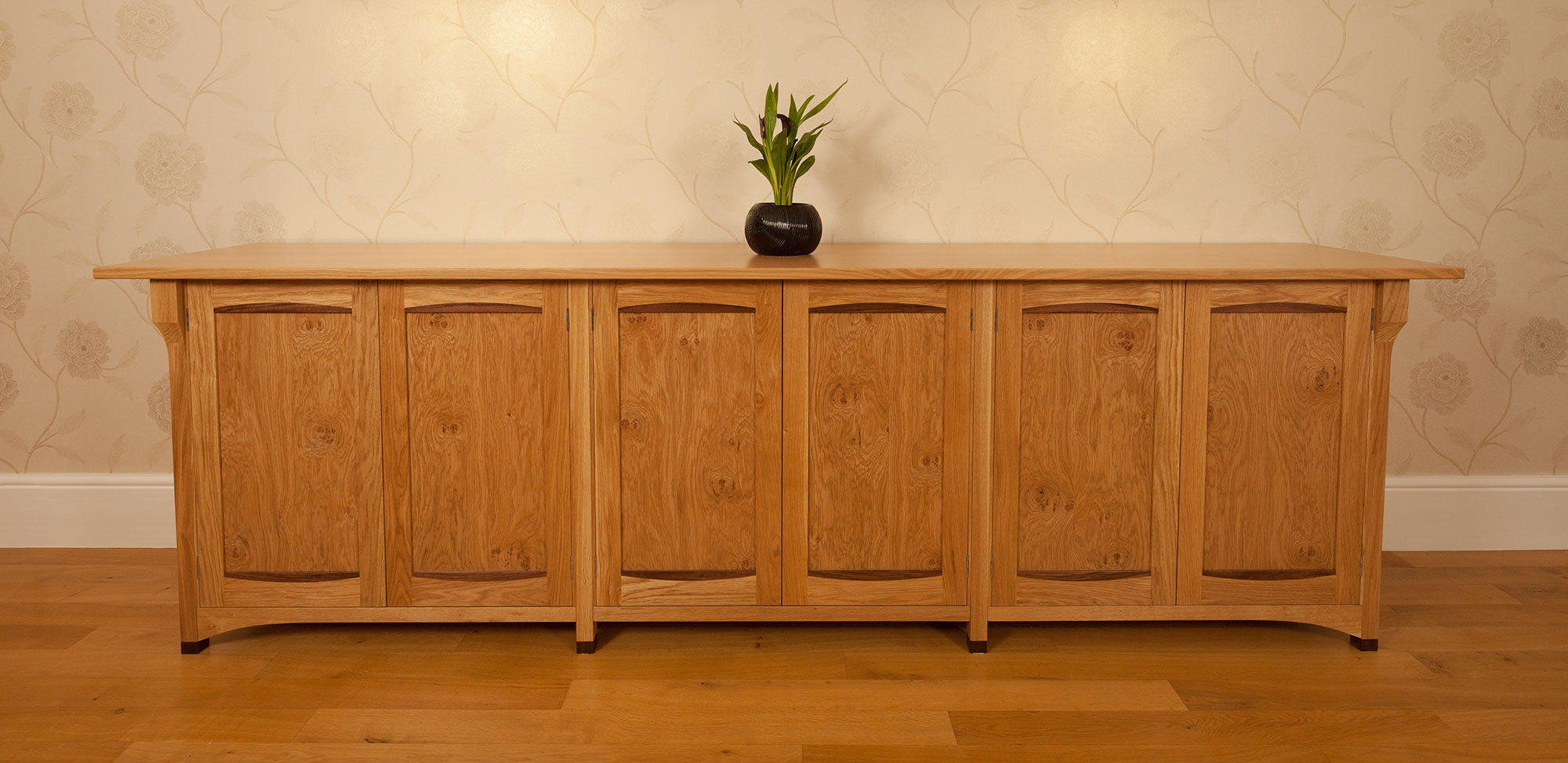 Pippy oak sideboard